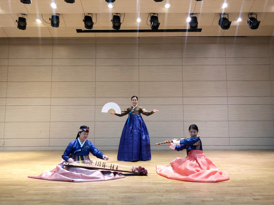 Traditional instrument mini concert by the South Korean Ewha Womens University and the Liszt Ferenc Academy of Music